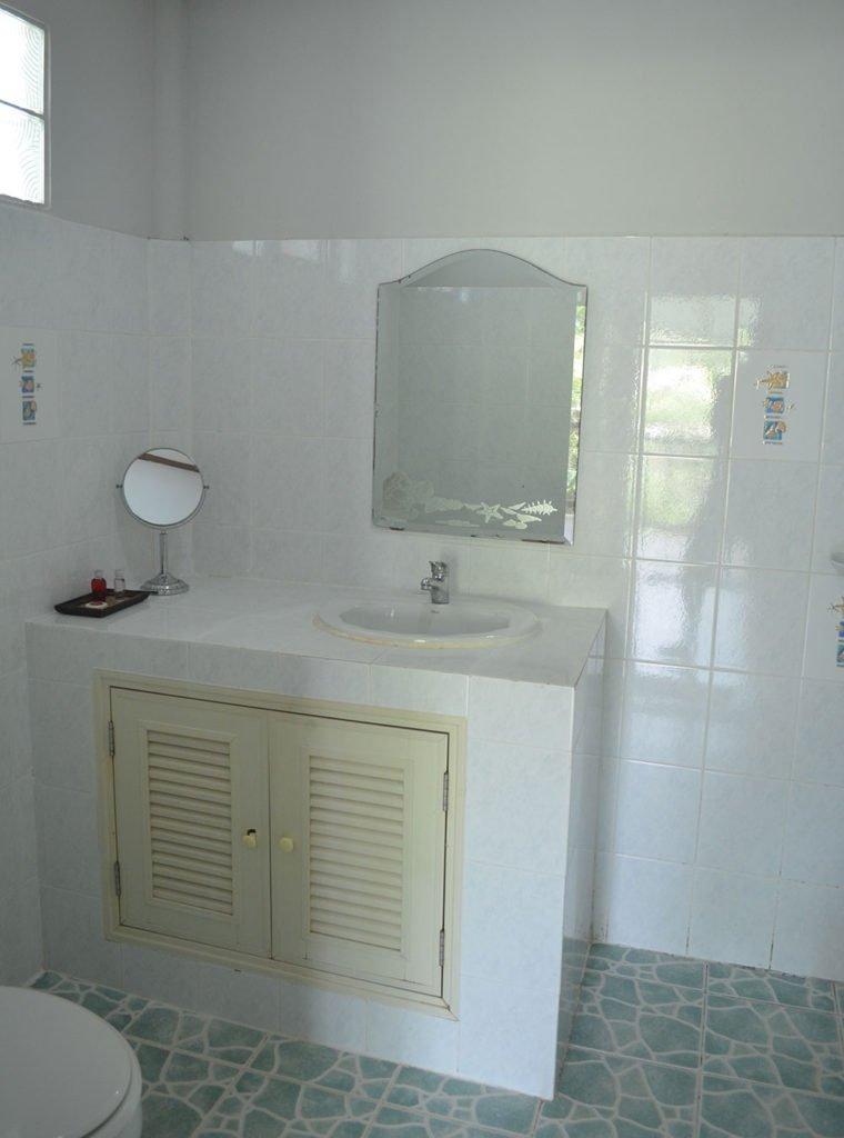 Clean-Private-Bathroom