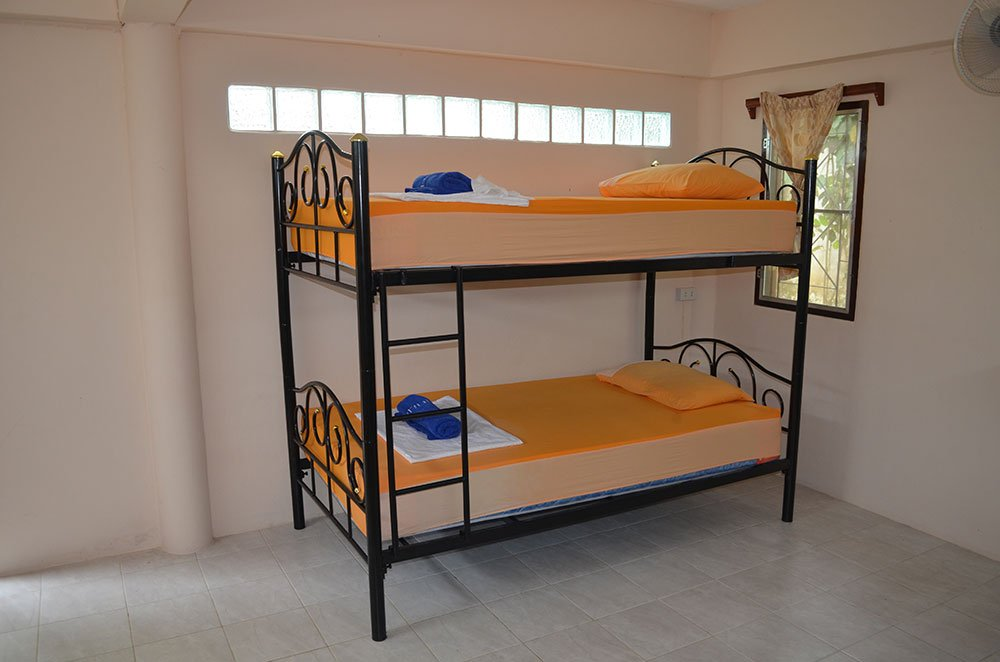 Dorm-Room-Bunks-3